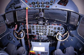 Cockpit i en DC-4