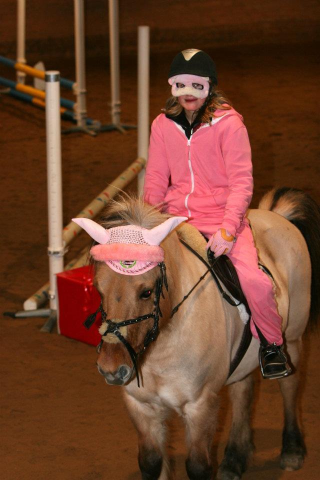 Maskeradhoppning - Hopptävling - Hästhoppning iFokus f31a6842bd883