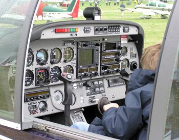 Cockpit i en Robin DR400/500 President