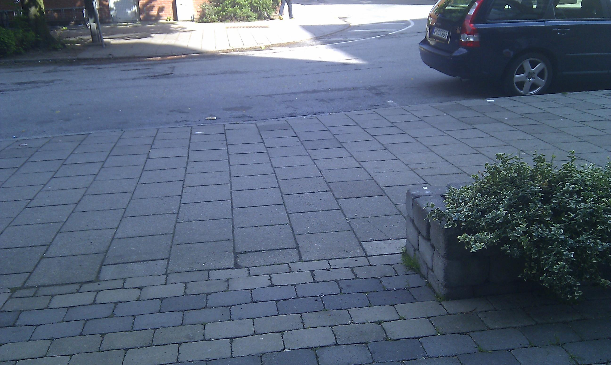 Hjälp med altan mot gatan   trädgårdsdesign,  trender och  prylar ...