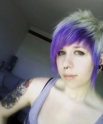 Svart hårfärg som håller