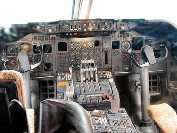 Flight deck i en Boeing 747-230