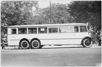 En av BST-bussar